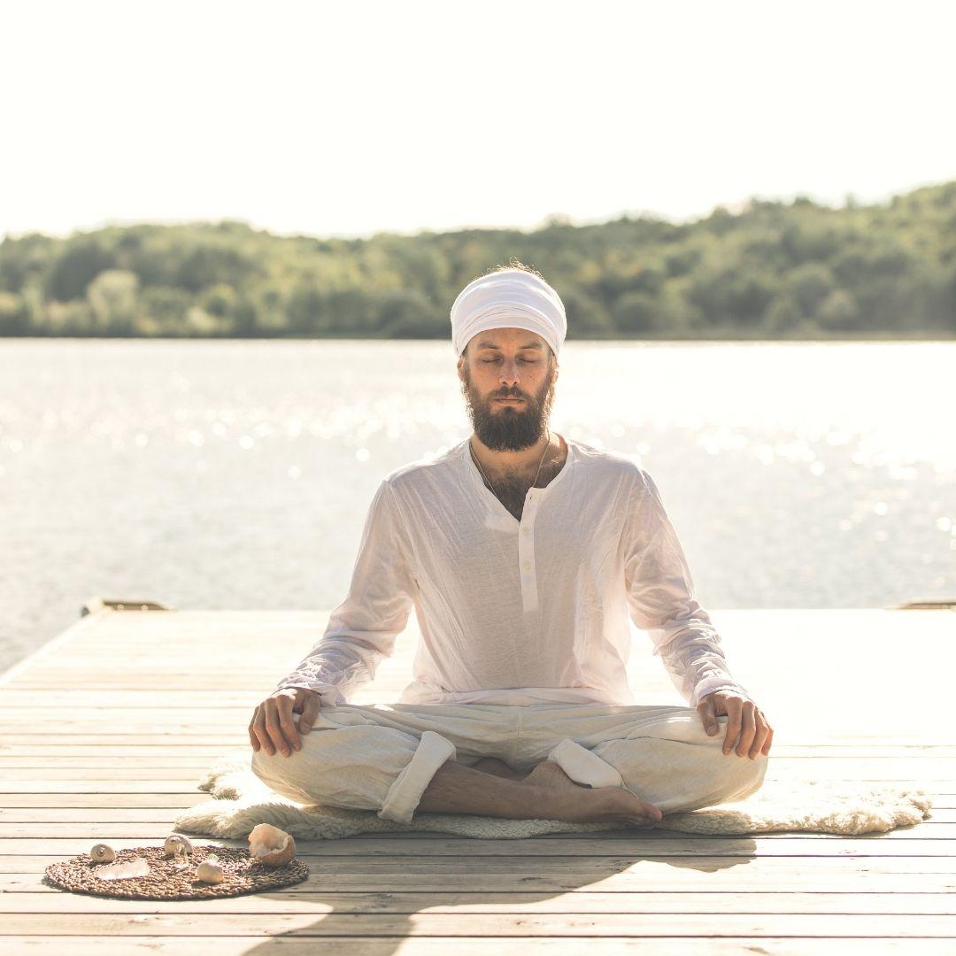 Simon de Suni-Ai Yoga, école de yoga Kundalini à Shawinigan